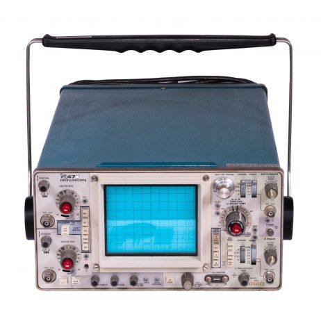 Tektronix 475 oscilloscope